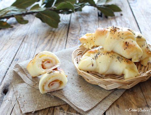 Cornetti ripieni di prosciutto e formaggio