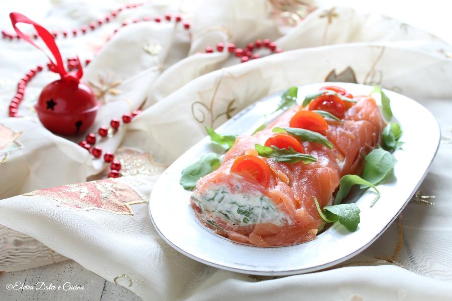 Tronchetto di salmone con formaggi cremosi e rucola