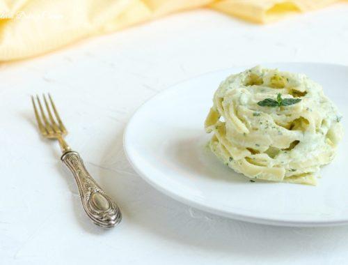 Tagliatelle cremose ricotta e zucchine