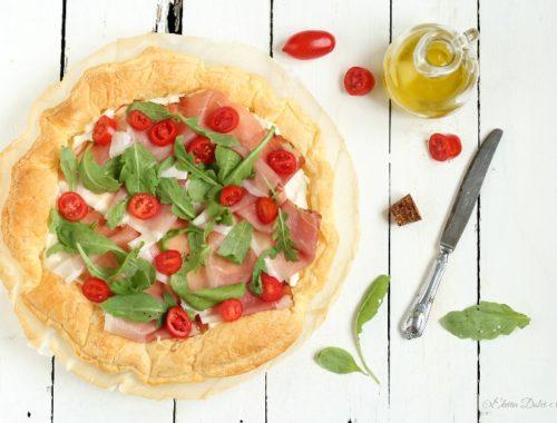 Torta salata con squacquerone speck e rucola