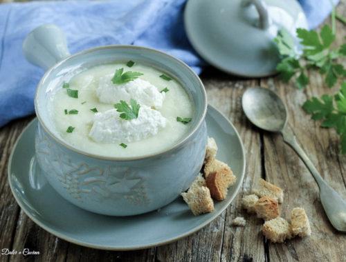 Vellutata di patate con quenelle di ricotta