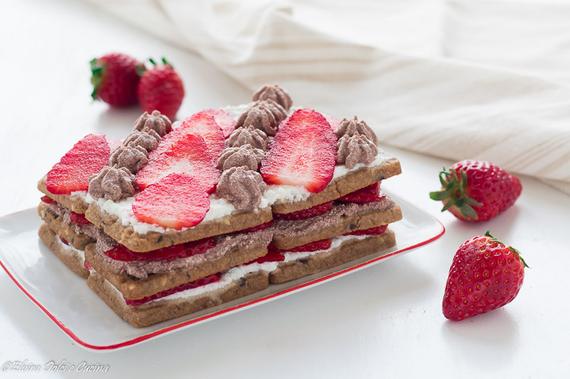 Mattonella bicolore ricotta e fragole ricetta senza glutine