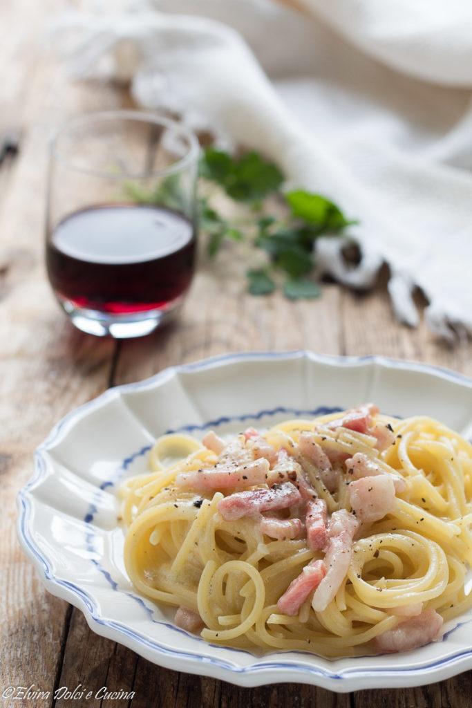 Ricetta Gricia Con Salsiccia.Spaghetti Alla Gricia Ricetta Cremosa Elvira Dolci E Cucina