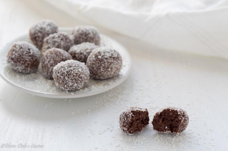 Tartufini cioccolato cocco e rum ricetta senza glutine