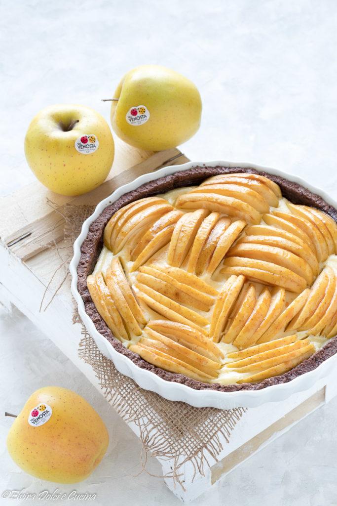 tart al cacao con crema di ricotta e mele