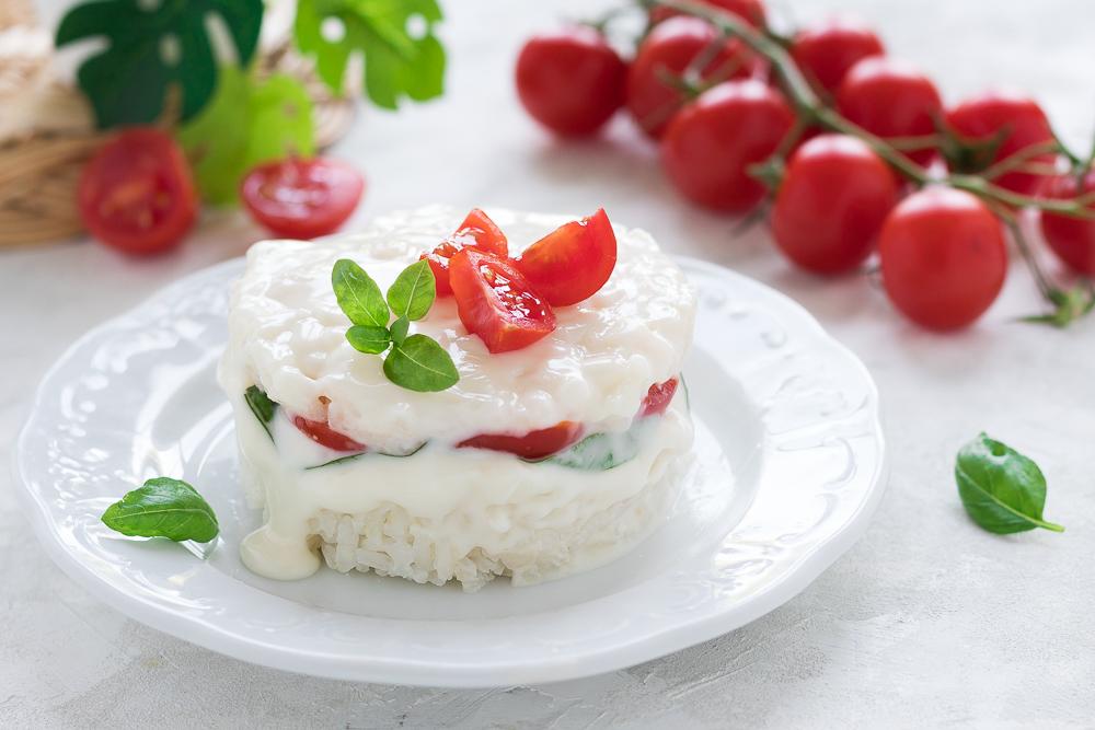 Sformatino di riso con stracchino pomodorini e basilico - Ricetta fredda