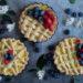 Crostatine con crema pasticcera e frutti rossi